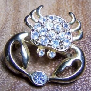 Clear Rhinestone Crab & Gold Metal Unsigned